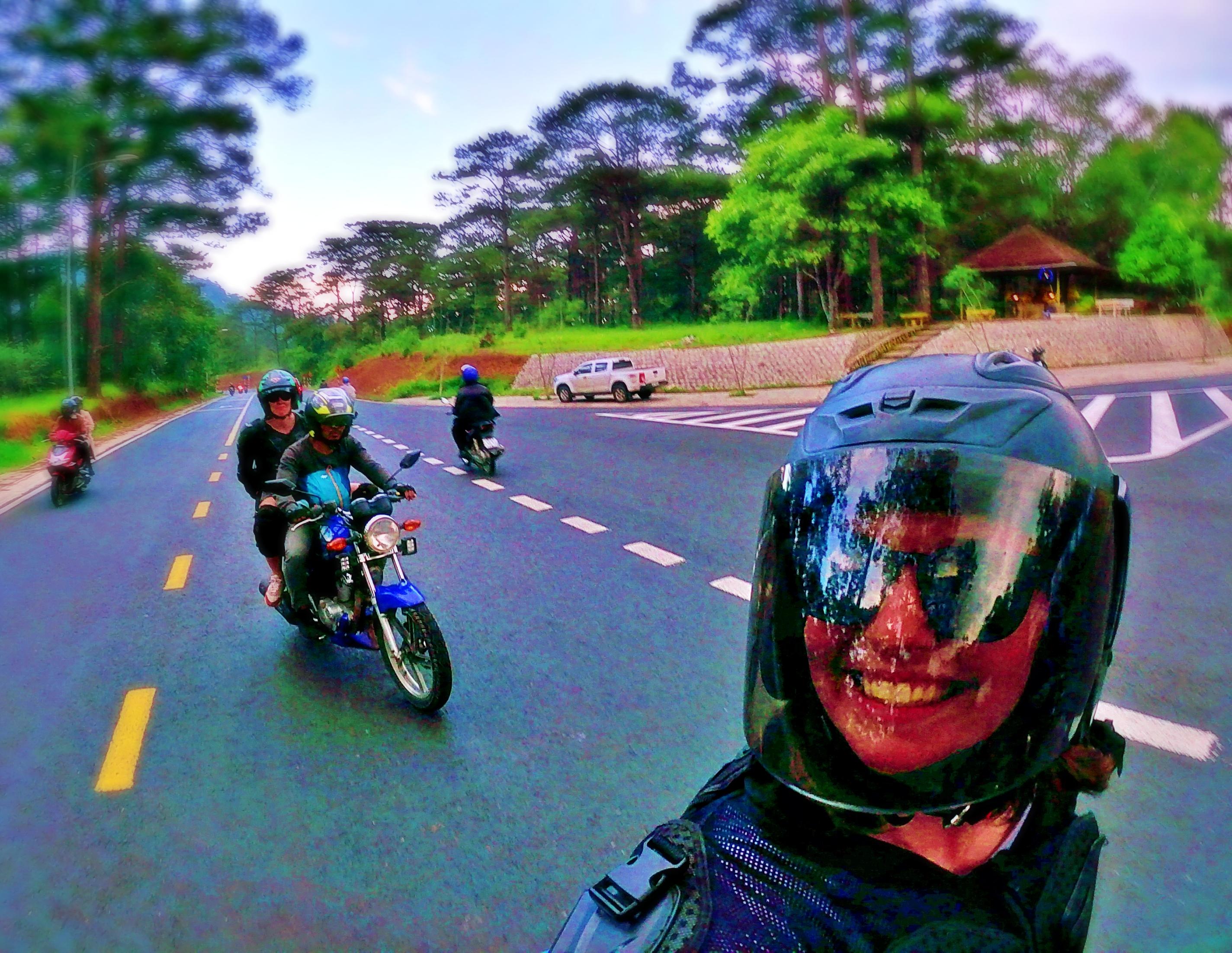 Two girls on motorbikes in Vietnam - Vietnam 30 day itinerary